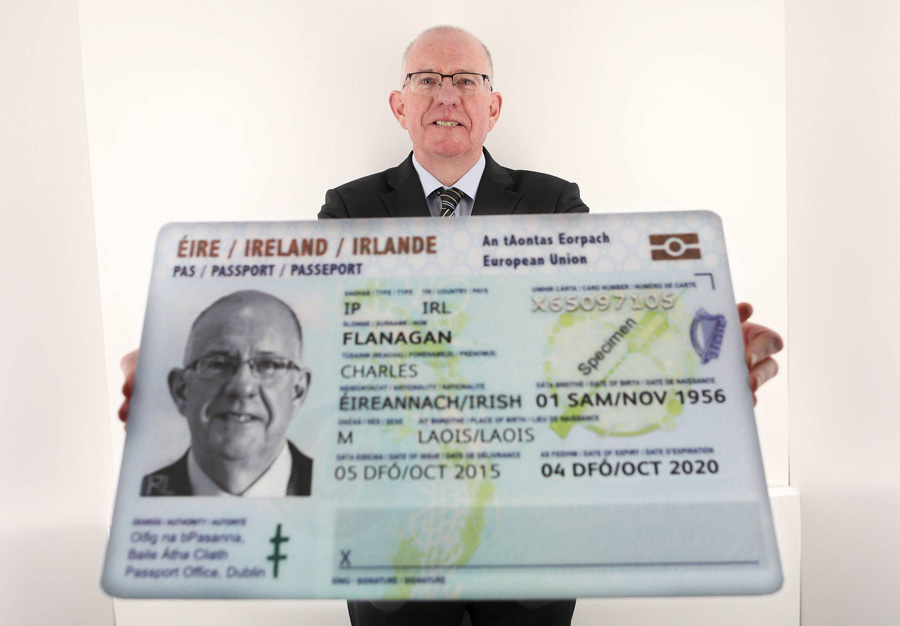 Minister_for_Foreign_Affairs_Charlie_Flanagan_launches_Irish_Passport_Card